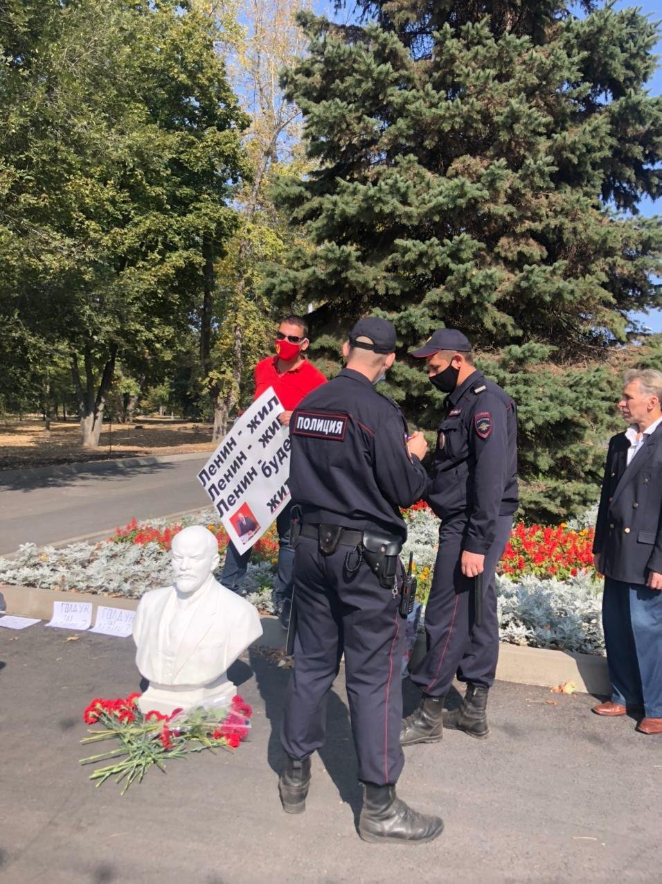 Мэр Белгорода ответил на обвинения комсомольцев во время их акции протеста, фото-5