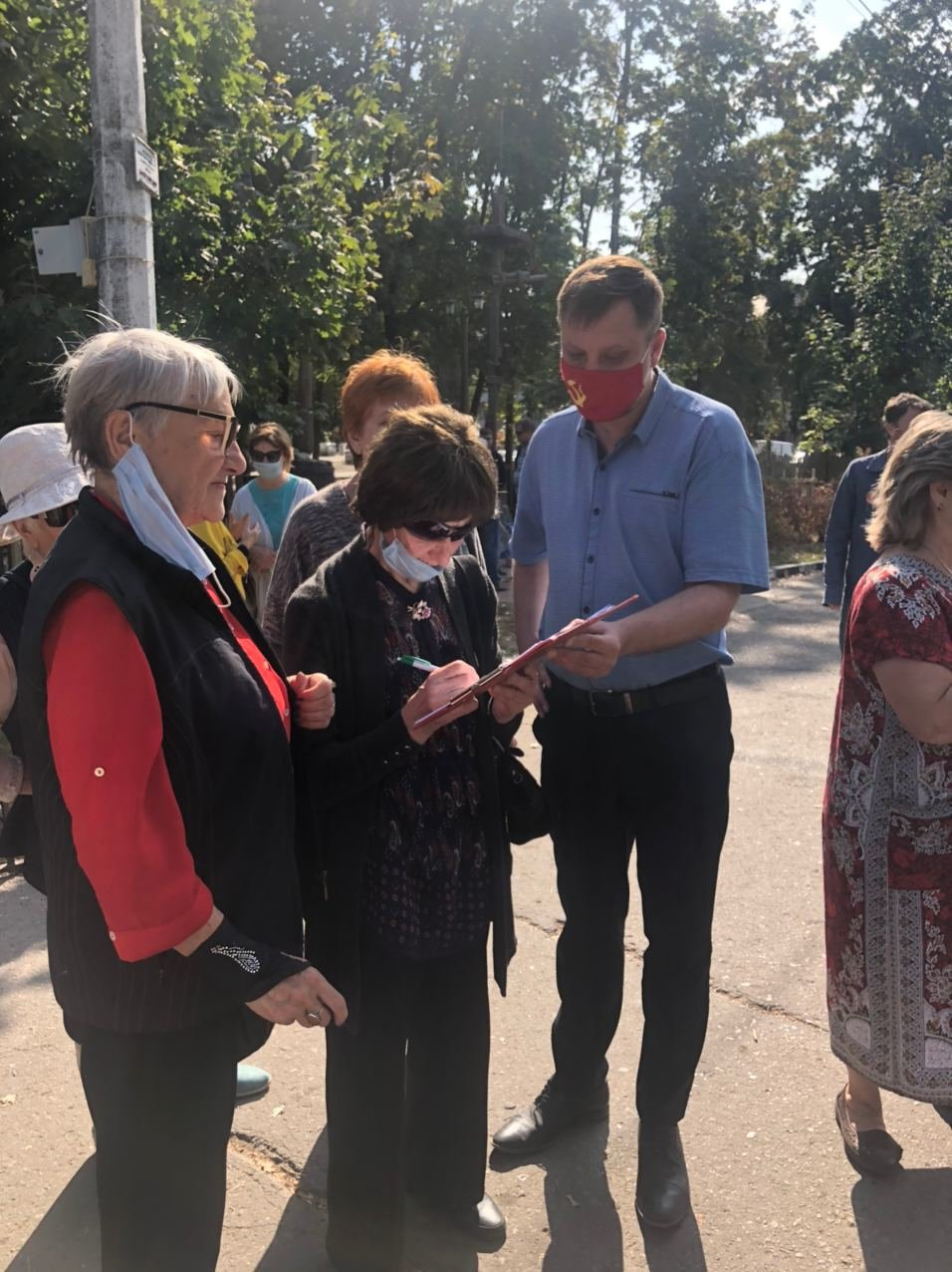 Мэр Белгорода ответил на обвинения комсомольцев во время их акции протеста, фото-4