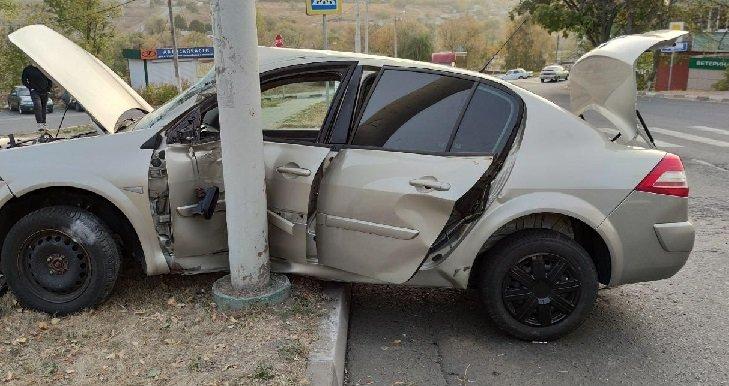 Под Белгородом легковушка сбила гулявшего по шоссе мужчину, фото-1