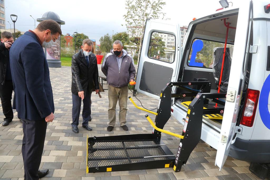 Фонд «Поколение» передал спецавтомобиль для медпомощи старооскольцам с ограниченными возможностями, фото-4