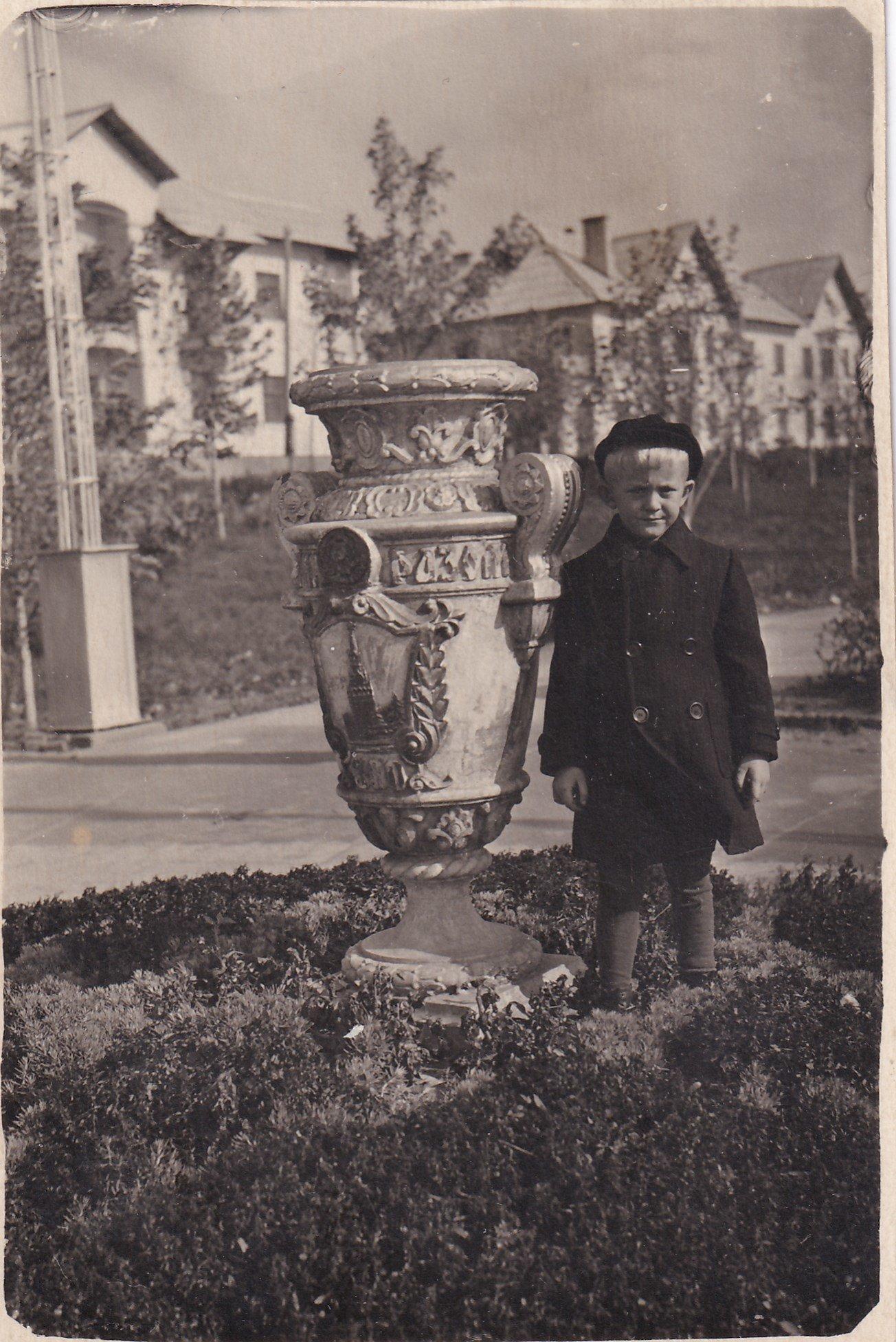 Старый Белгород. Ретро-фоторепортаж из семейного альбома, фото-30