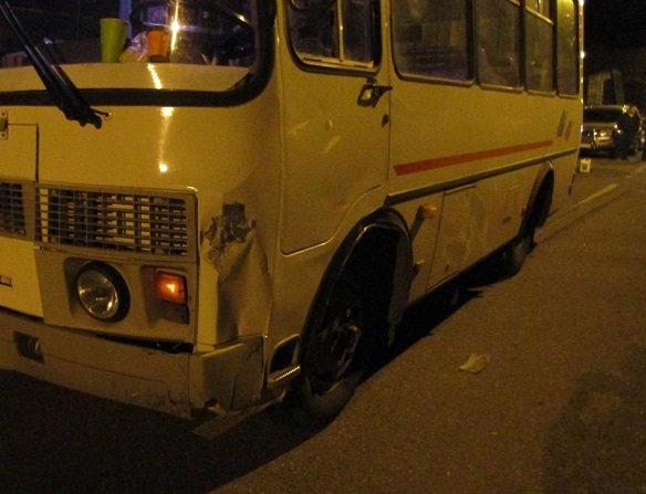 В Белгороде подросток на скутере попал под автобус, фото-3