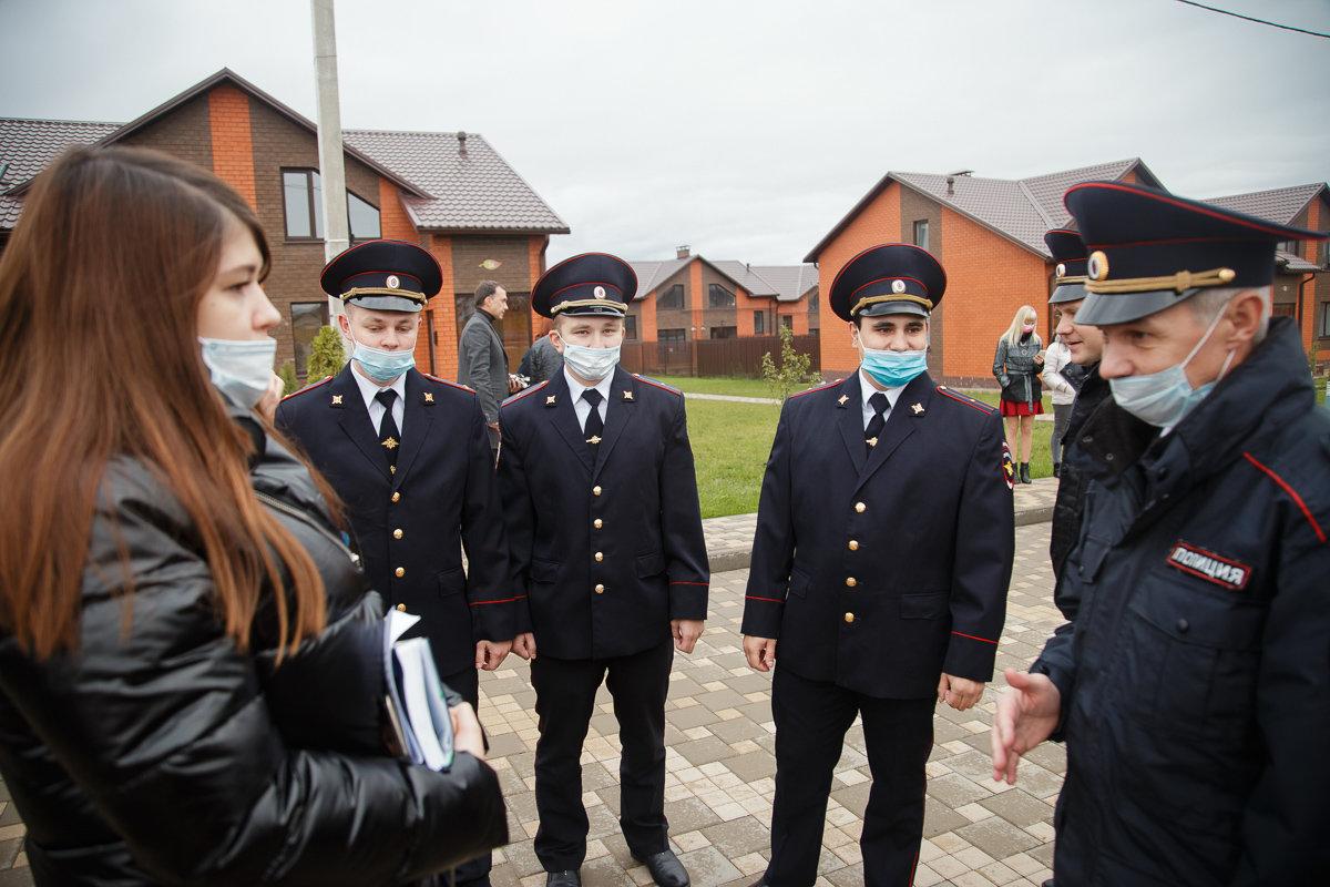 Белгородские участковые получили ключи от квартир