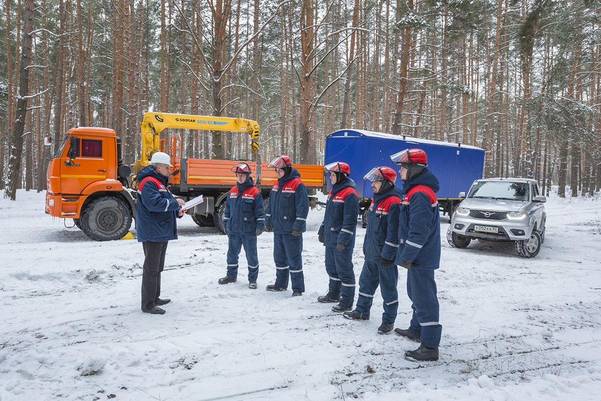 Белгородские энергетики из-за снегопада работают в режиме повышенной готовности, фото-1