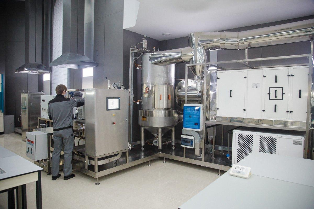В белгородском инновационном центре генной инженерии, Фото со страницы Евгения Савченко во ВКонтакте