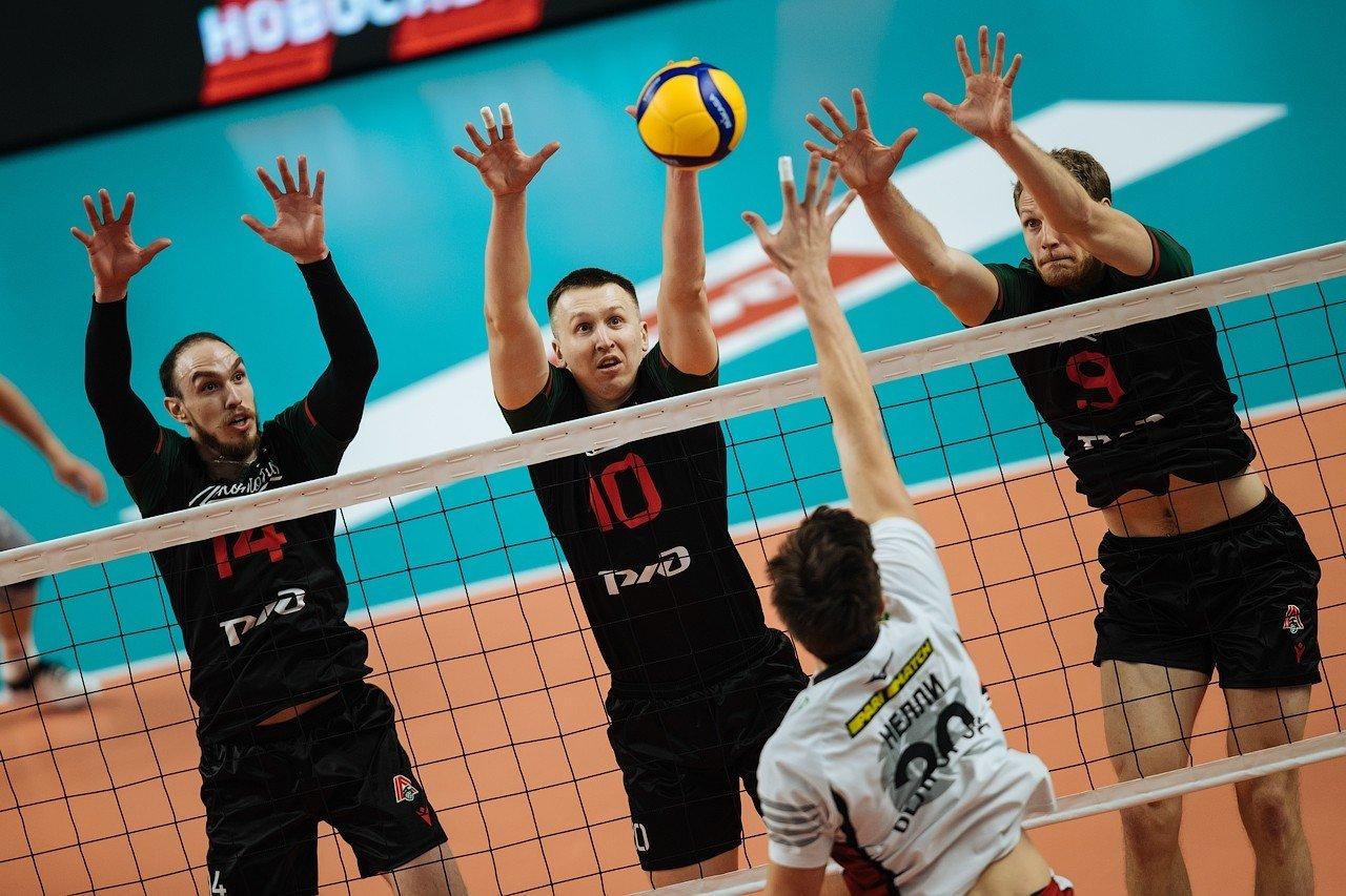 Края блока – сербы Лубурич и Ивович, Фото с сайта ВК «Локомотив» (Новосибирск)